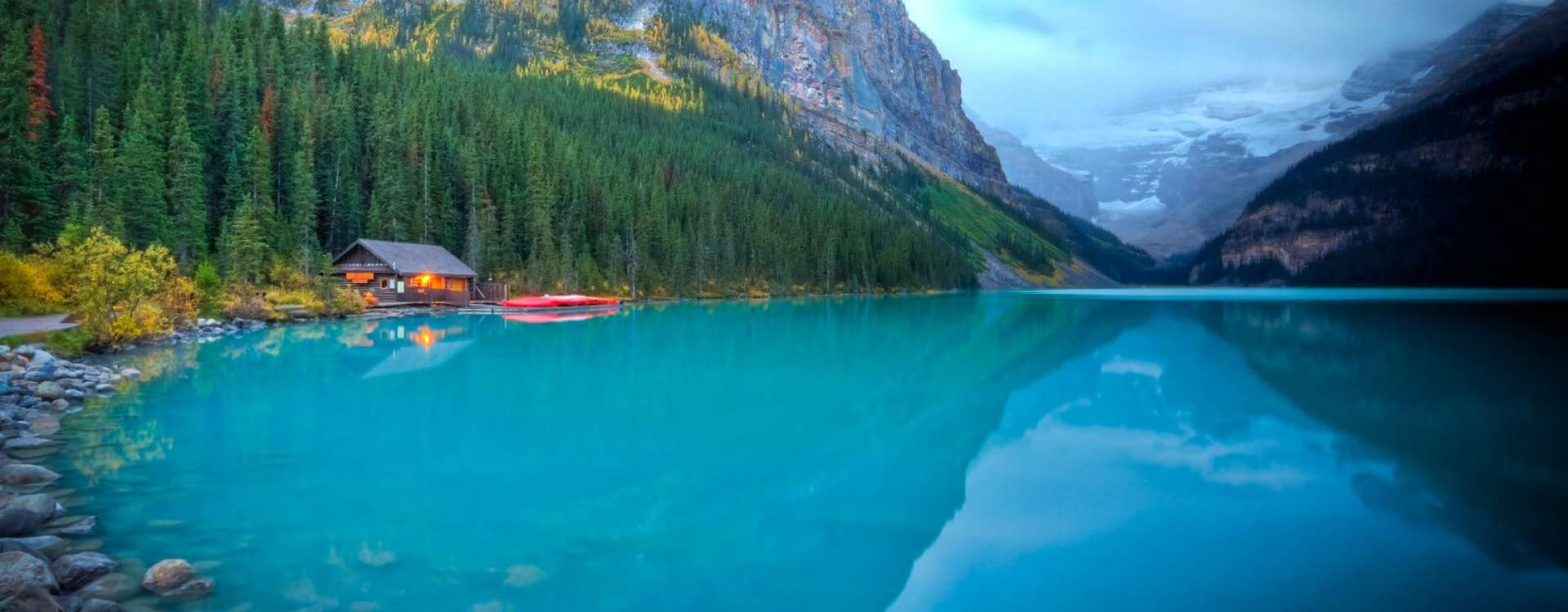 Cabins Suites Lake Louise Alberta Canada Paradise Lodge