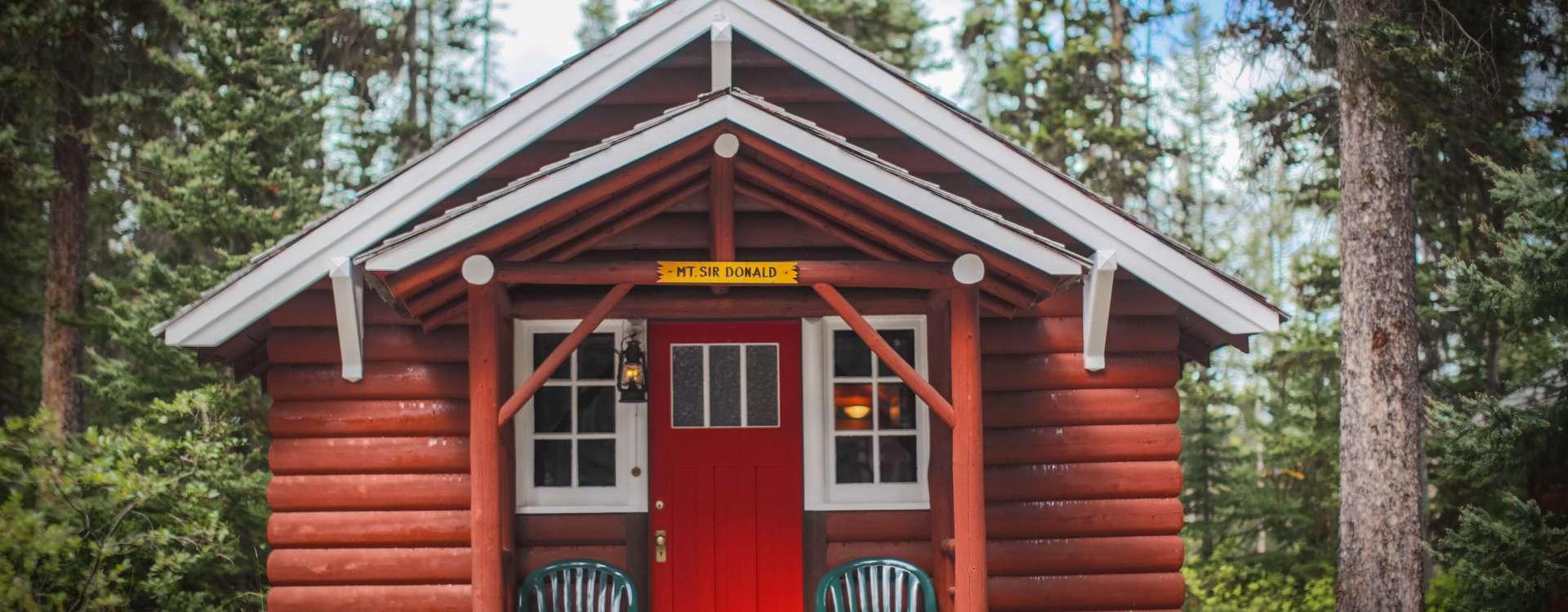 Cabins & Suites Lake Louise, Alberta, Canada   Paradise Lodge